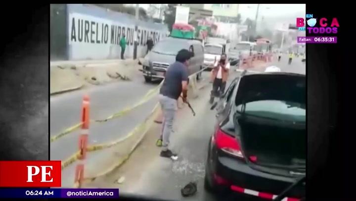 Conductor chocó varios autos y atacó a uno de los afectados tras recibir los reclamos