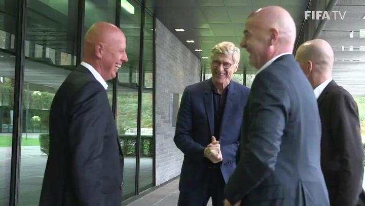 Arsène Wenger, nuevo responsable de fútbol de la FIFA