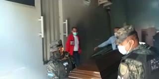 Familiares retiran cuerpo de militar asesinado en cárcel de Támara