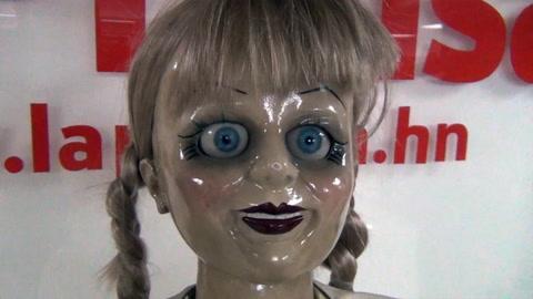 La tenebrosa muñeca