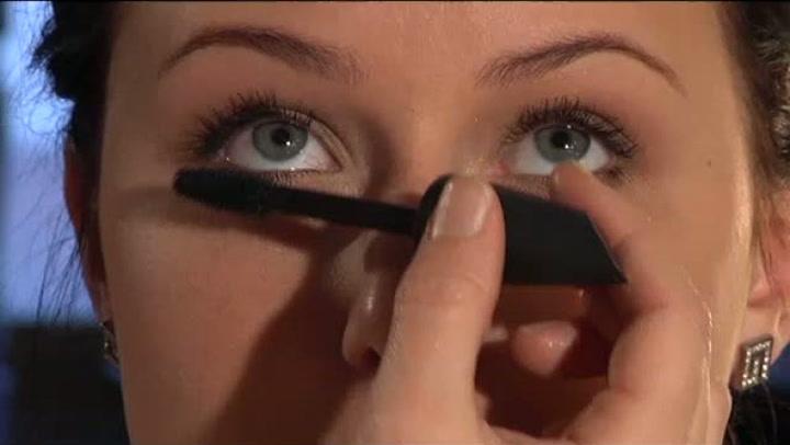 Hvordan friske opp med øyenskygge