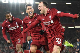 Liverpool recupera el liderato tras batir al Manchester United