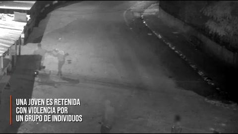 Video muestra rescate de joven que era abusada