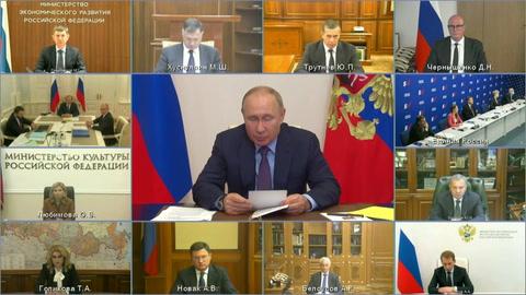 Putin aislado por caso de covid en su entorno