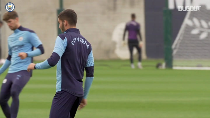Aké and Torres in Manchester City training