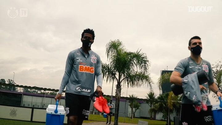 Corinthians finaliza semana de avaliações físicas