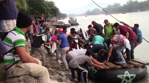 México busca encauzar desafío de caravana de migrantes hondureños