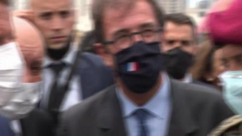 Macron promete ayuda a Líbano y pide