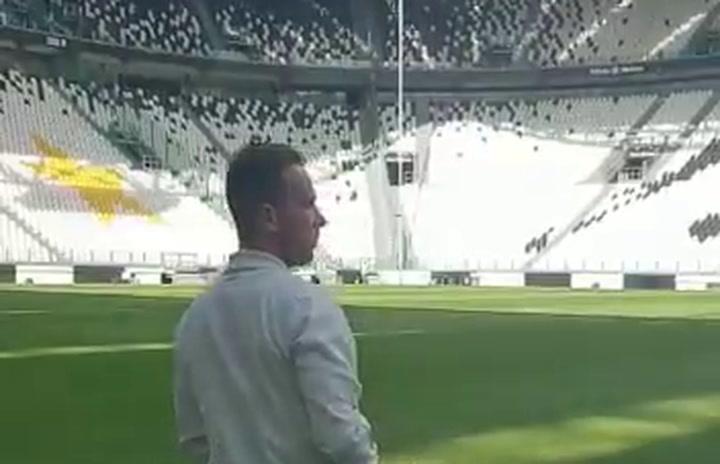 Arthur ya ha pisado el césped del estadio de la Juventus