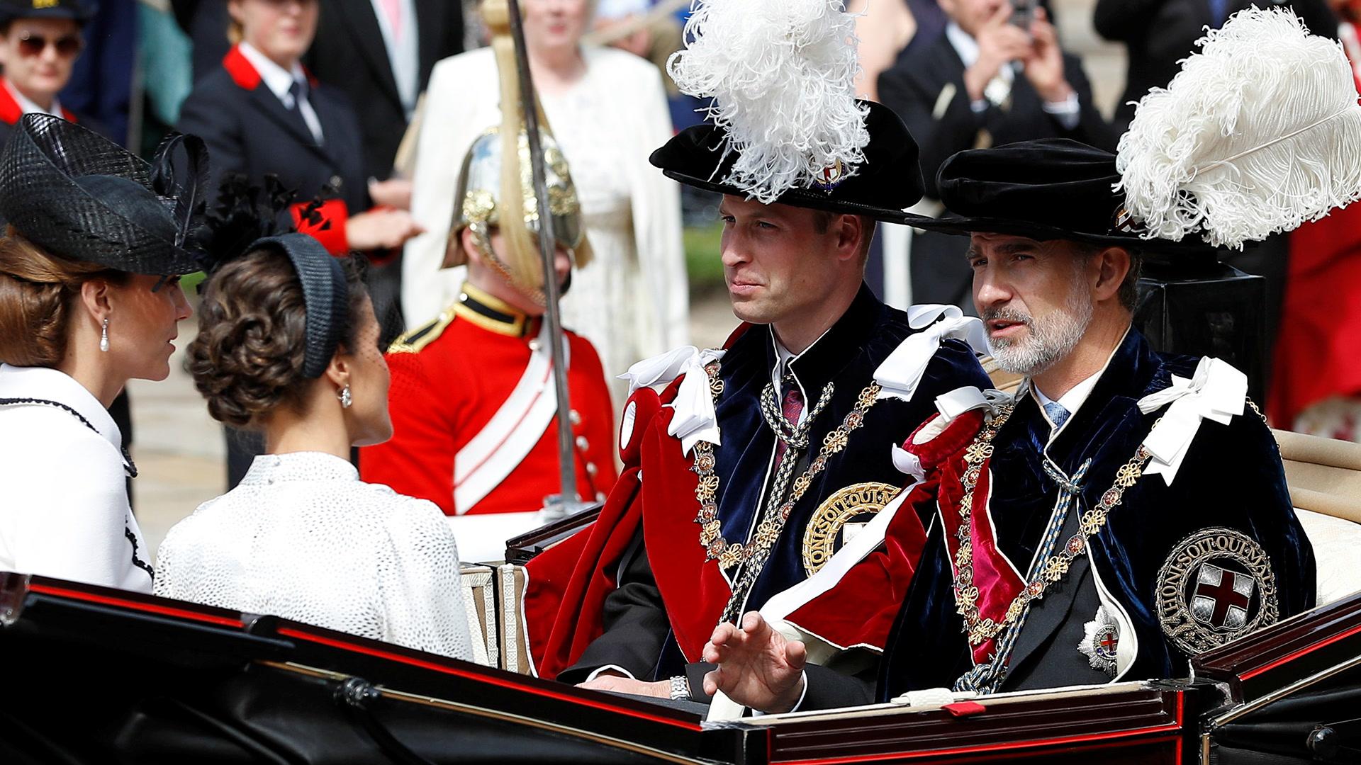Felipe VI, investido por Isabel II en la Orden de la Jarretera