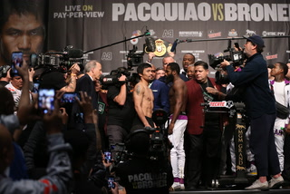 Pacquiao-Broner weigh-in highlights