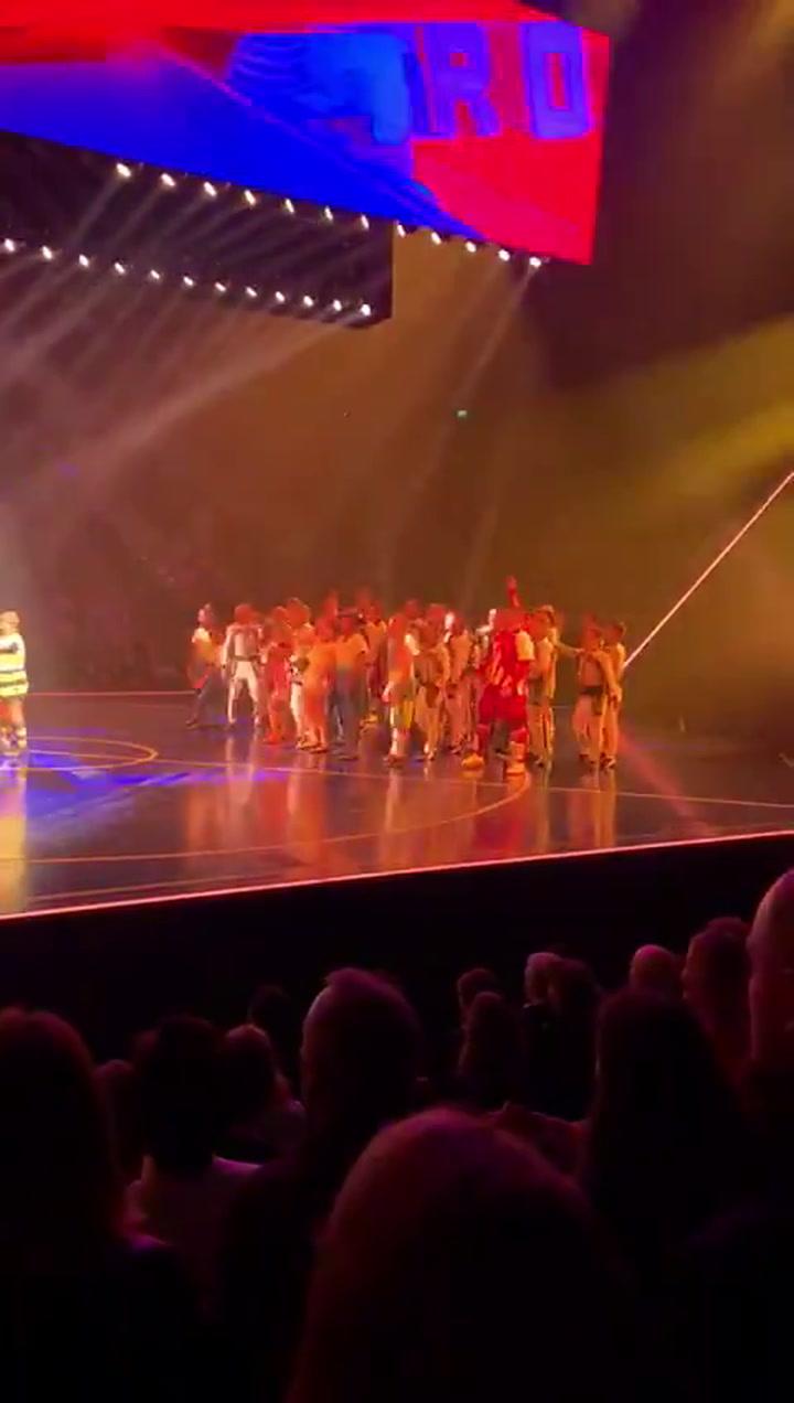 Shakira, protagonista anónima en el estreno de 'Messi10' del Cirque du Soleil