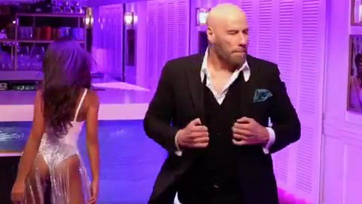 John Travolta sorprende con su nueva imagen