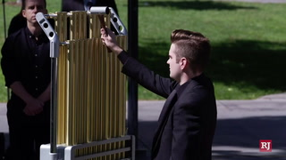 UNLV music program rings bell 58 times to remember victims of Oct. 1 shooting – Video