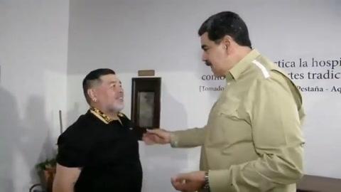Diego Armando Maradona es recibido por Maduro en visita a Caracas