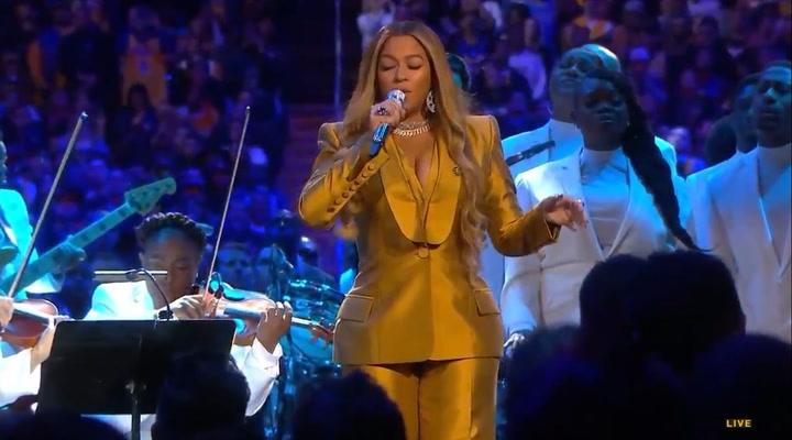 Beyoncé emociona con su actuación en el homenaje a Kobe Byant