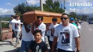 Entierran restos de transportistas asesinados en El Carrizal