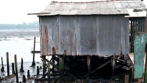 En la mayor favela de palafitos de Brasil, el Covid es un flagelo más