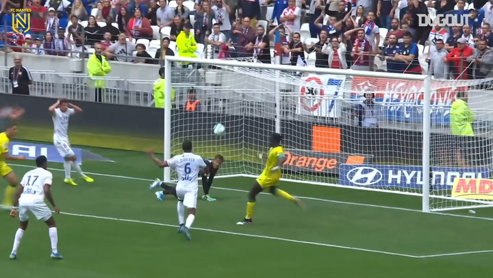 Alban Lafont's best saves vs Lyon