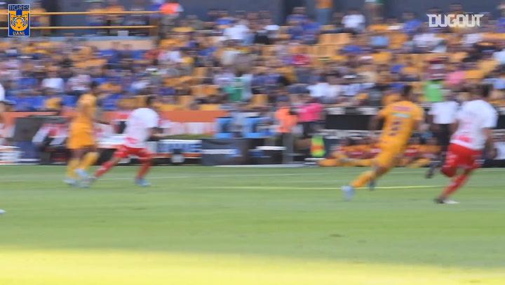 Gignac scores a superb header against Necaxa