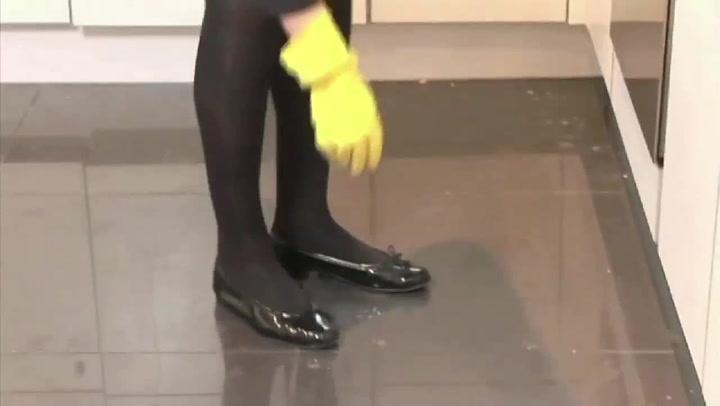 Hvordan moppe et flislagt gulv