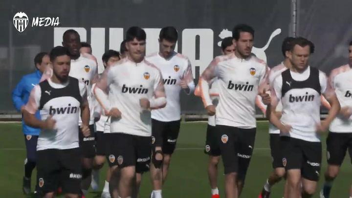 Último entrenamiento del Valencia antes de visita a la Real Sociedad