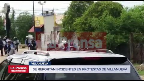 Enfrentamientos entre manifestantes y Policía dejan heridos en Villanueva