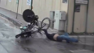 Syklister i grusom kollisjon med tilskuer