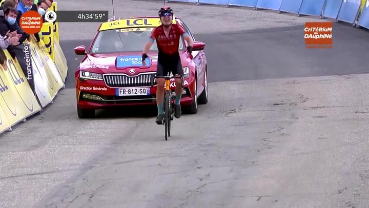 Richie Porte asalta el maillot amarillo en La Plagne, donde gana Padun