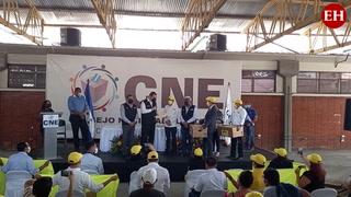 Partido Vamos presenta planillas electorales ante el CNE