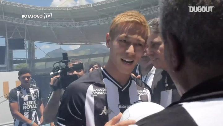 Behind the scenes: Keisuke Honda's unveiling at Botafogo