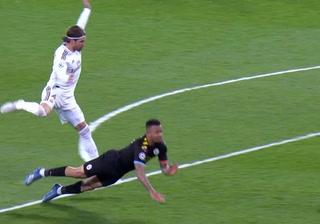 Real Madrid pierde por expulsión a Sergio Ramos para vuelta ante Manchester City