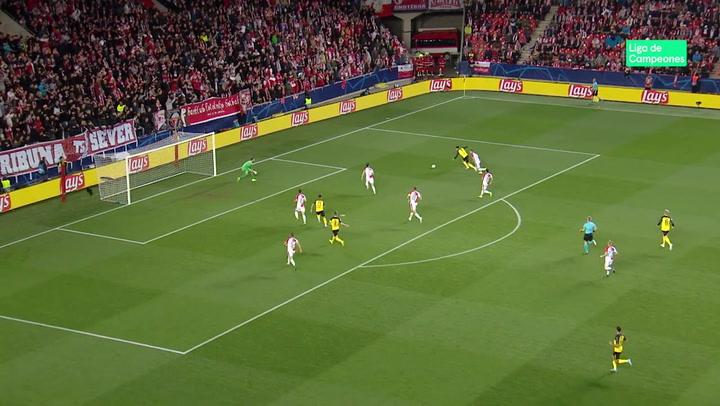 Champions League: Slavia de Praga - Dortmund. Ocasión de Jadon Sancho