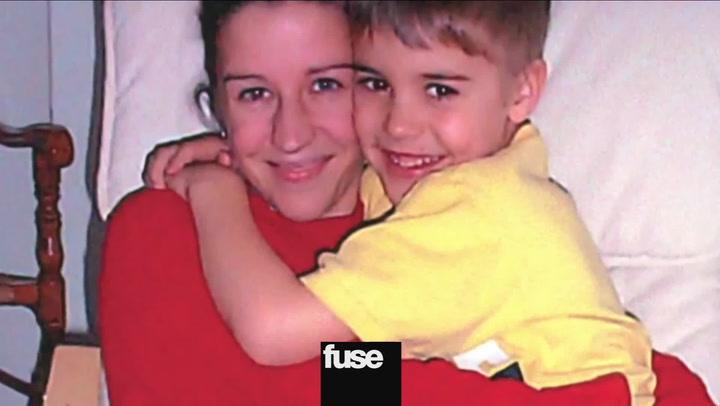 Justin Bieber's Mom Defends New Film, Talks Bieber Grammy Snub