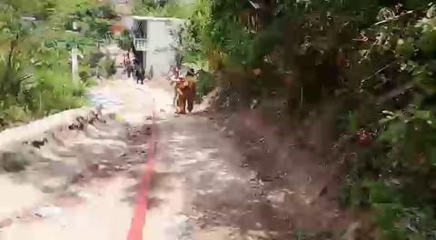 Incendio consume viviendas en la colonia Villanueva