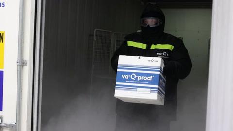 Contenedores súper aislantes para transportar la vacuna contra el covid-19