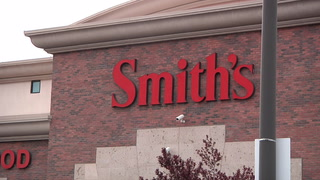 Nevada shoppers react to Smith's no longer accepting Visa credit cards