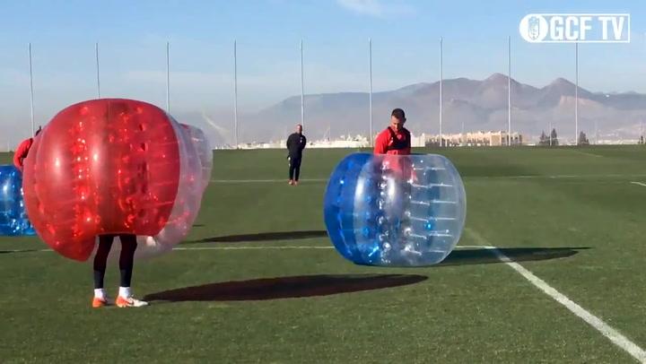 El imaginativo entrenamiento del Granada antes de ir al Camp Nou