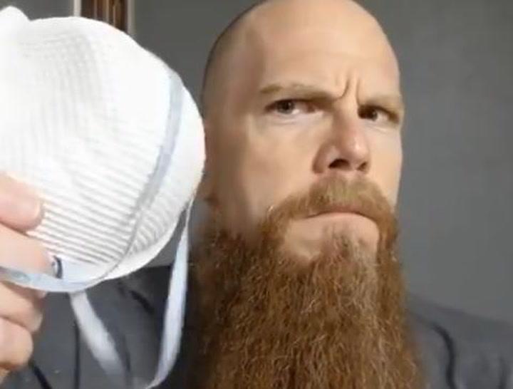 Una barba de doble uso en tiempos de coronavirus
