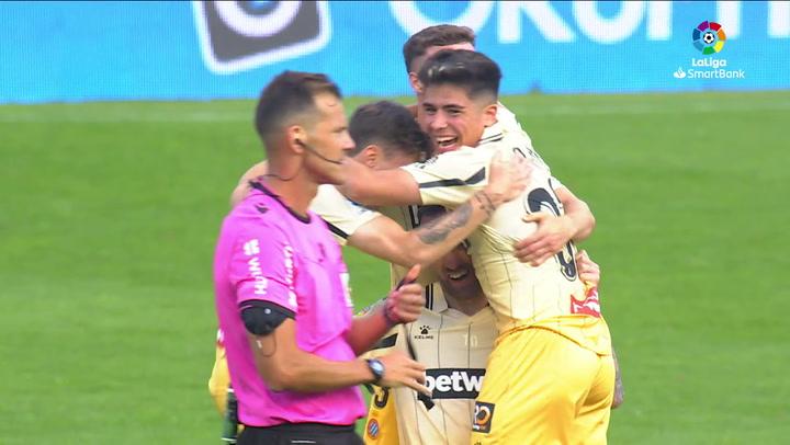 El Espanyol celebró su vuelta a Primera sobre el césped de La Romareda