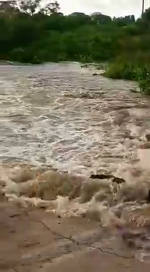Detectaron canales clandestinos que provocaron el colapso de la ruta 1