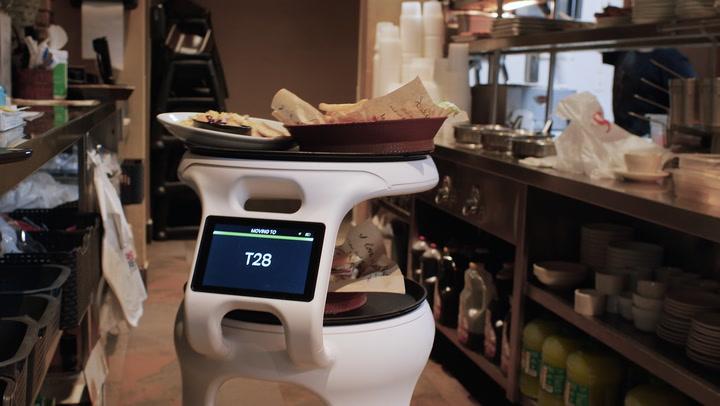 Miami Restaurant Deploys Food-Running Robot