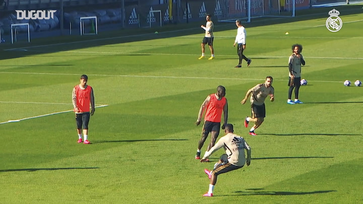 Second session in preparation for the match against Manchester City