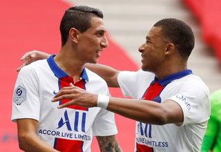 Mbappé arrastrando marcas le puso medio gol a Di María en la victoria ante Niza