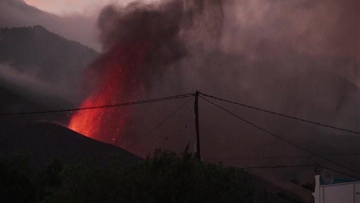 La Palma volcanic eruption could last three months, experts warn