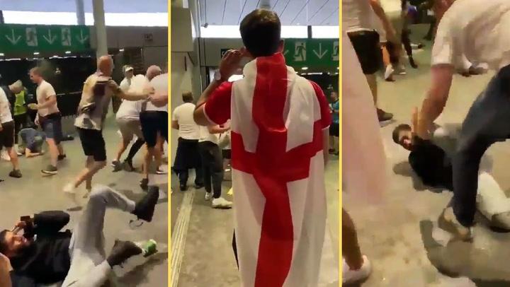 'Hooligans' ingleses se ceban con hinchas italianos tras la final de la Eurocopa