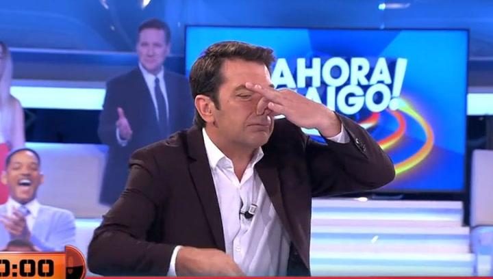 Arturo Valls la lía con su reacción a la escatológica respuesta de un concursante