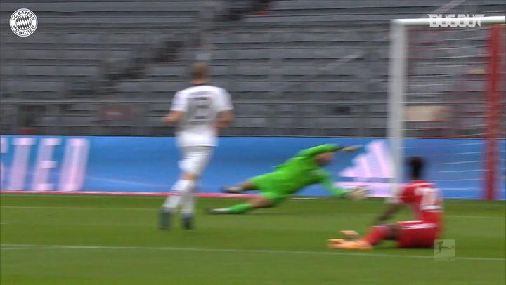 El hat-trick de Lewandowski ante el Eintracht Fráncfort