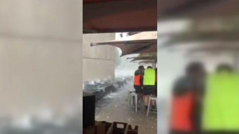 Tormentas de polvo y granizo se abaten en una Australia asolada por los incendios