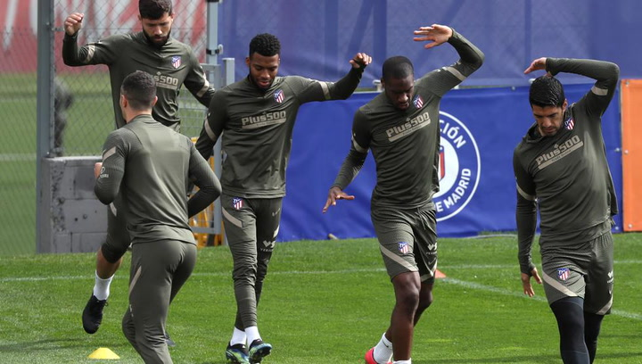 El Atlético de Madrid sigue preparando el partido de este domingo ante el Sevilla